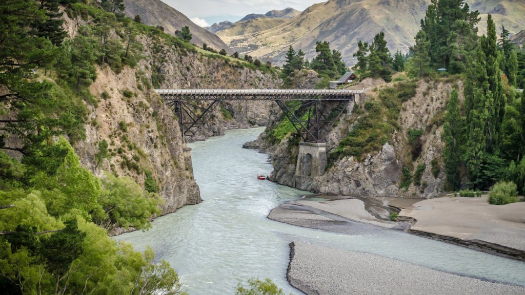 bridge-432586_1920