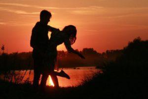 couple-915985_1280