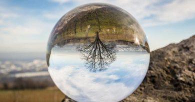 Křišťálová koule - kámen kamenů