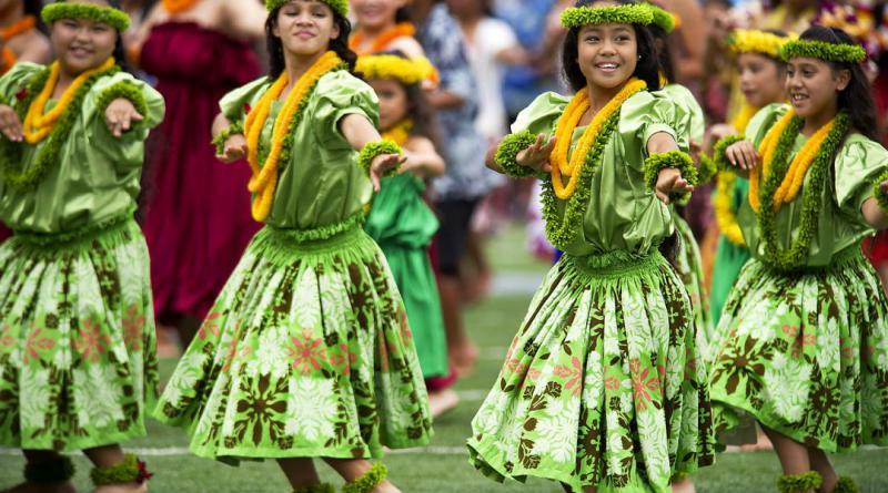 hawaiian-hula-dancers-377653_1280