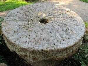 millstone-411127_1280-300x225