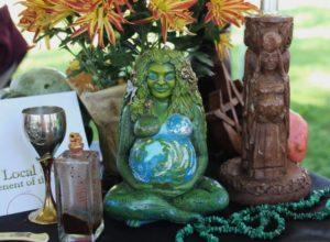 pagan-altar-1034856_1920