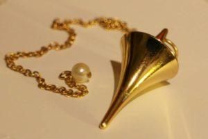pendulum-235125_1280