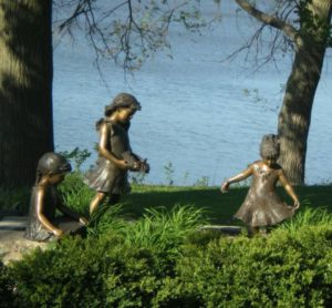 sculpture-170124_1280