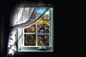 window-672607_1280