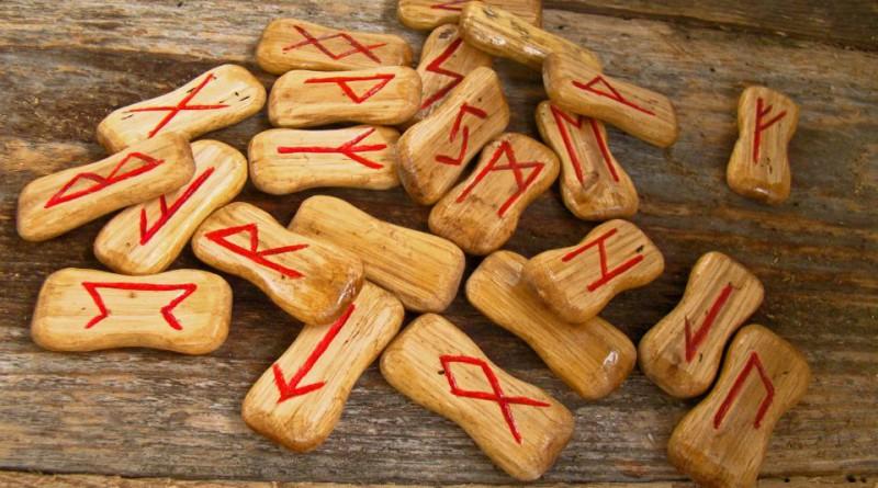 runes-947831_1920
