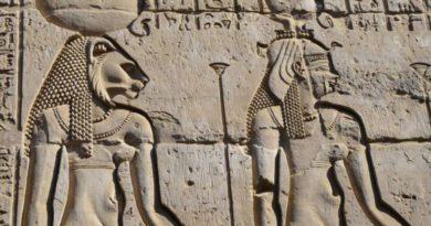 Posmrtné masky faraonů