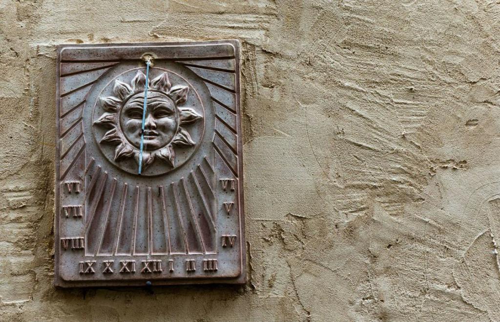 sundial-229005_1280