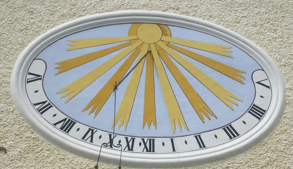 sundial-612556_1280