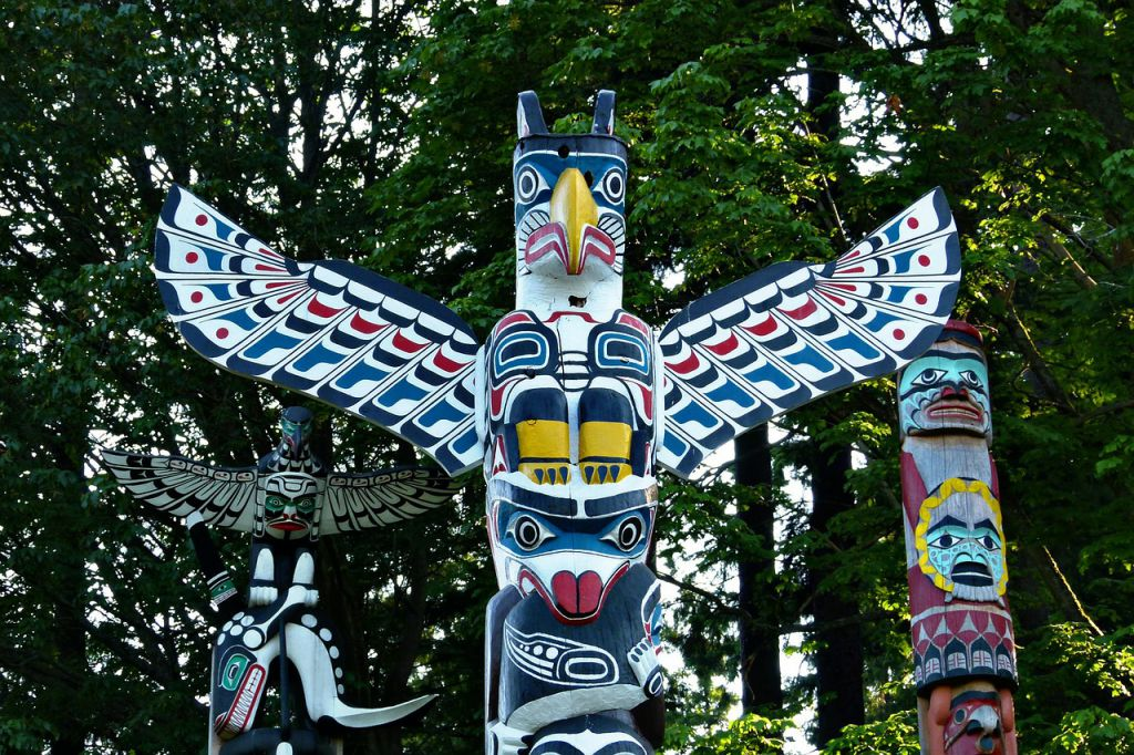 totems-52314_1280