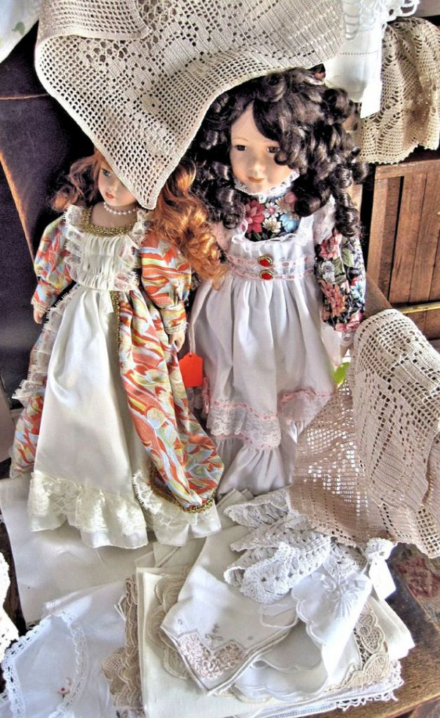 antique-ceramic-dolls-689724_1280