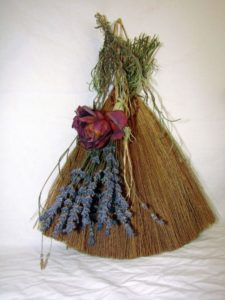 broom-739395_1280