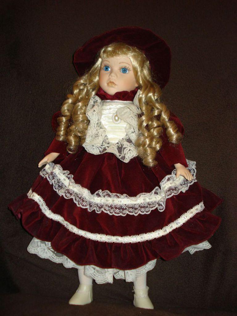 doll-557874_1280