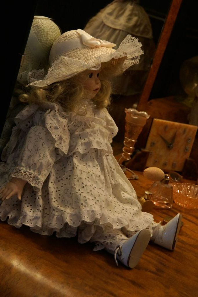 old-doll-419660_1280