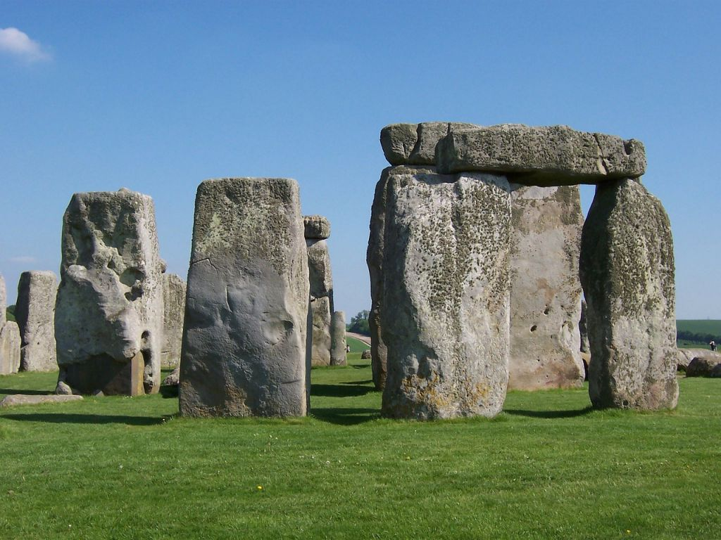 stonehenge-165247_1280