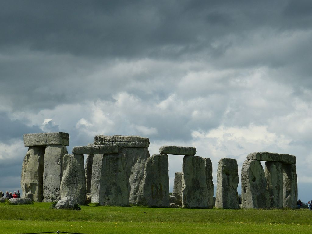 stonehenge-540459_1280