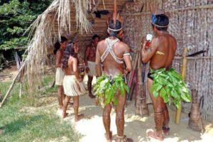 amazon-indians-69589_1280 (1)