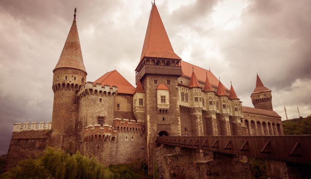 castle-880585_1280