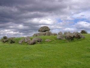 dolmen-3716_640