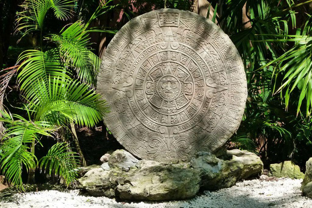 the-aztec-calendar-204821_1280