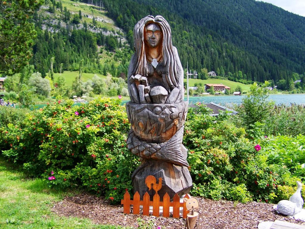 wood-statue-906910_1280
