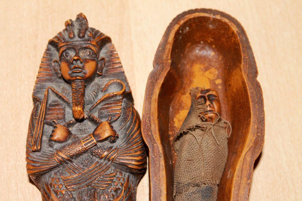 mummy-258122_1280