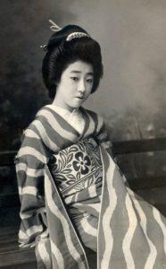 geisha-439321_1920