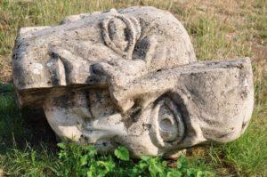 statue-873818_1280
