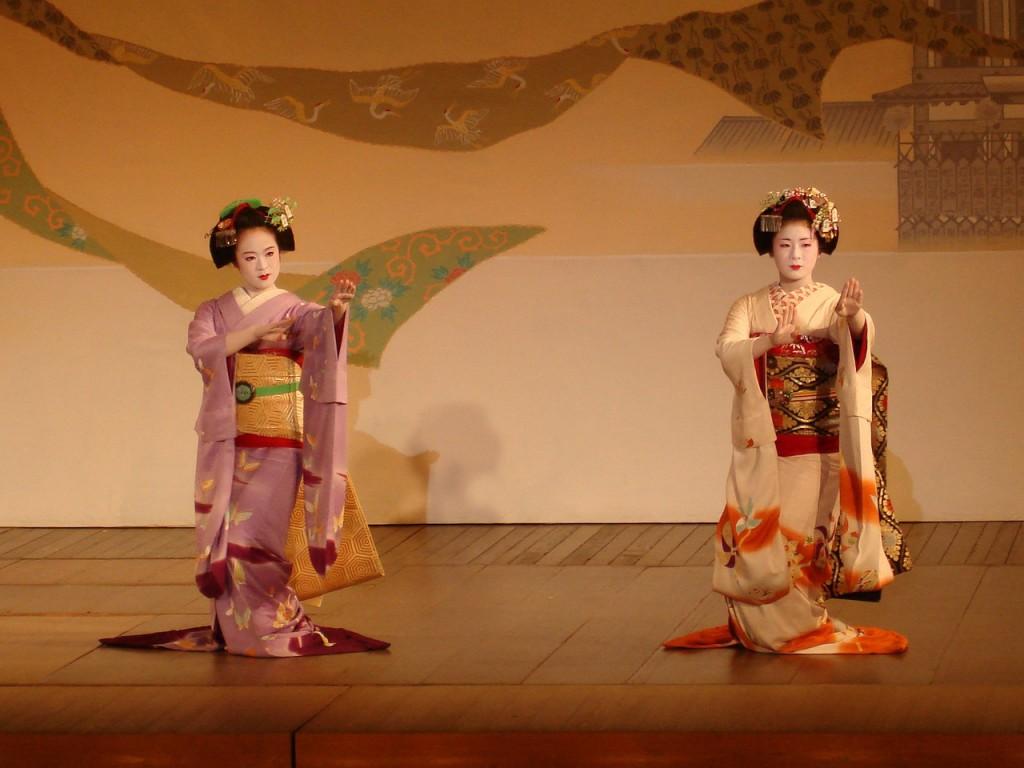 geisha-830918_1280