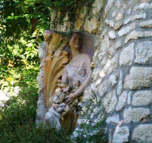 statue-947009_1280