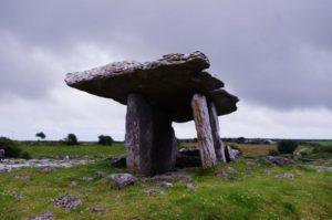 poulnabrone-dolmen-315431_1280