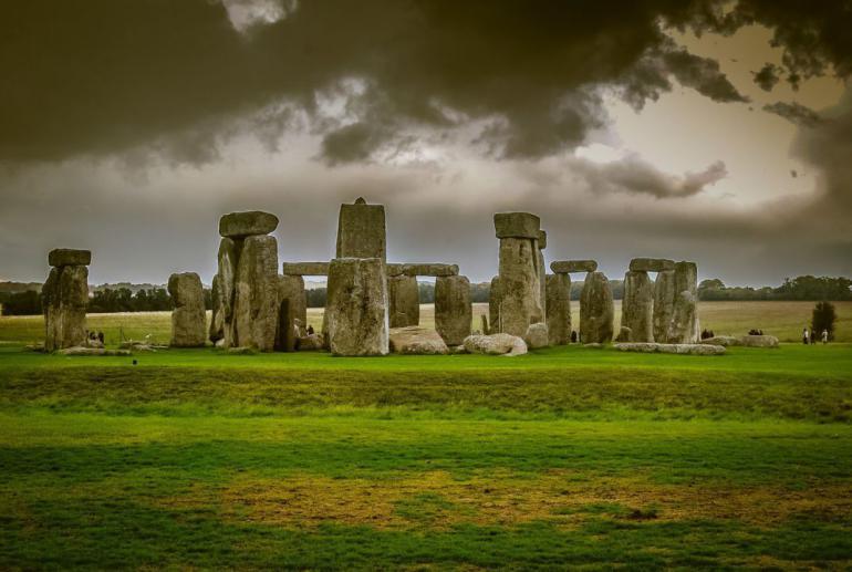 stonehenge-748991_1920