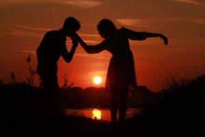 couple-915986_1920