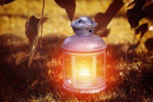 lantern-1035717_1920