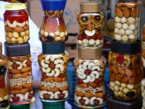 nuts-594706_1280