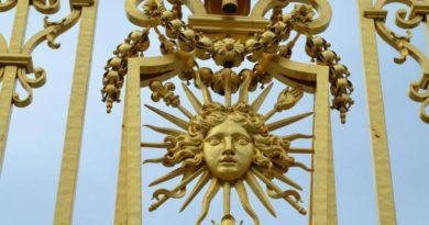 Symbolika a vibrace zlaté barvy