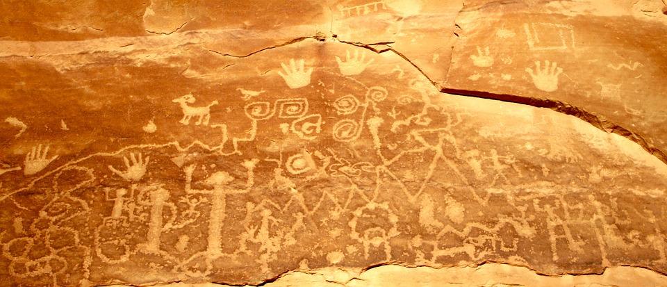 Petroglyfy - skalní umění