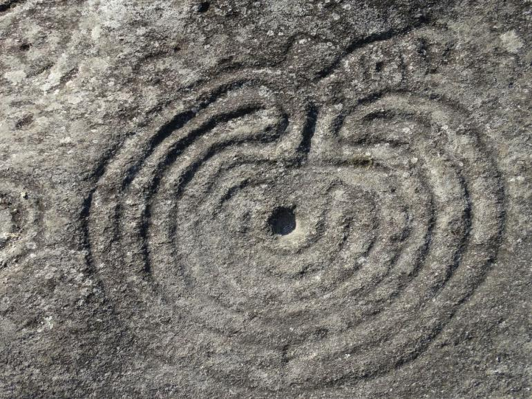 petroglyphs-1650483_1920