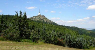 Říp, energetické linie a ochranné hory
