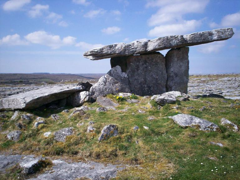 dolmen-474072_1920