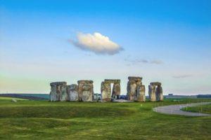 stonehenge-1145625_1920