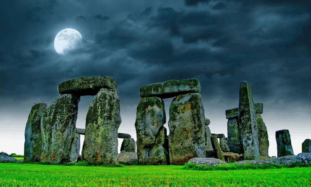 stonehenge-741485_1280