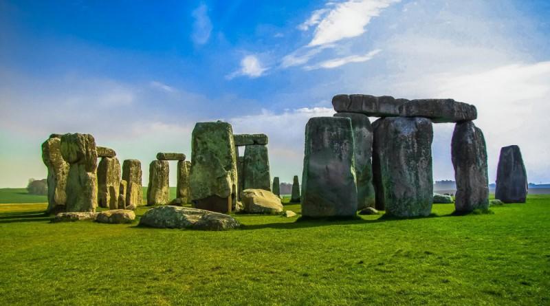stonehenge-947348_1920