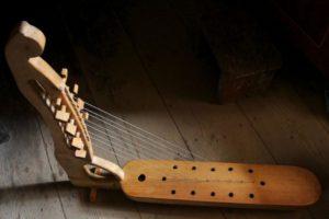 harp-228274_1920
