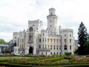 hluboka-castle-1104475_1920