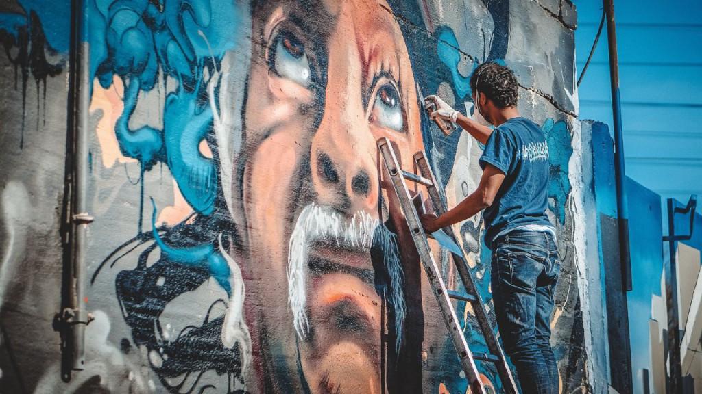 graffiti-1380103_1920