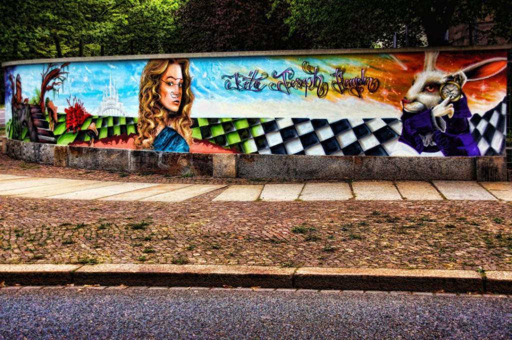 graffiti-939258_1920