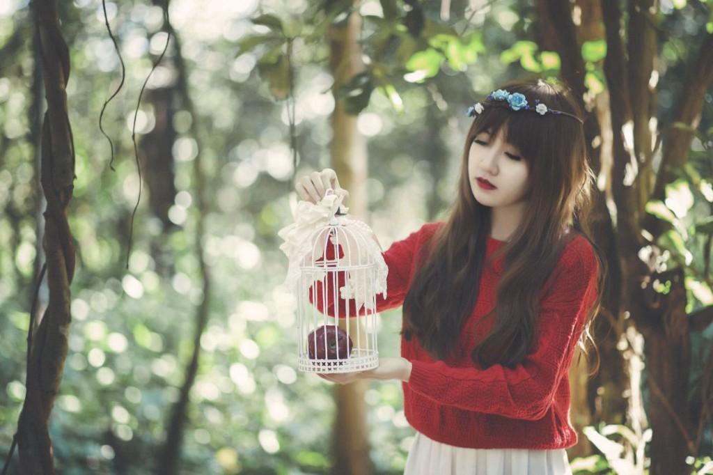 girl-1733335_1920