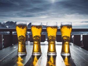 O chmelu, oroseném pivu a vitaminech