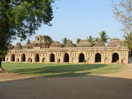 Indické svatyně a chrámy v Hampi